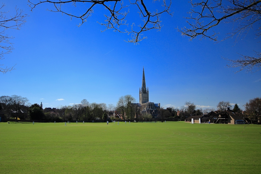 Norwich Cathedral & Cricketers
